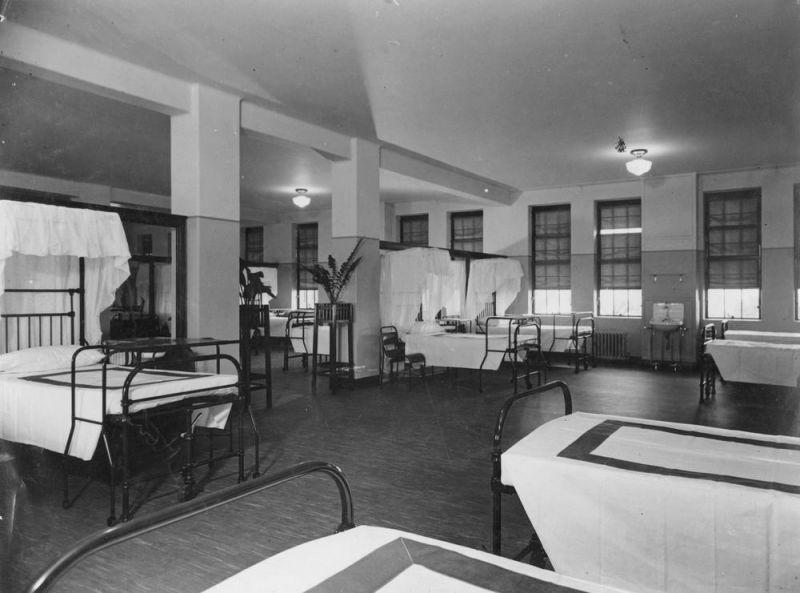 1938 maternity ward